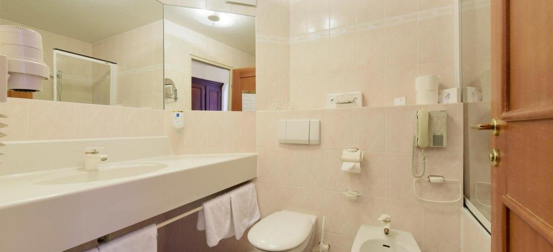 Room Pictures SUPBB_Bathroom Pictures_3