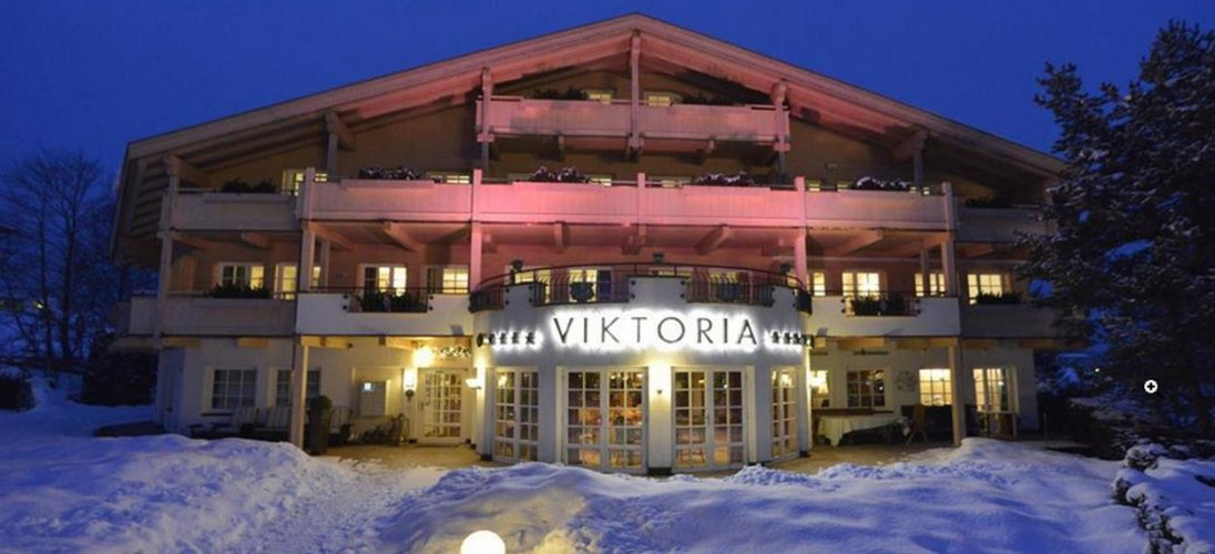 A- Vita Viktoria Winter am Abend