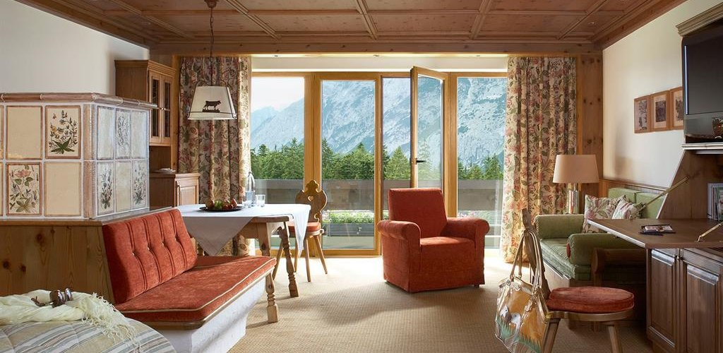Interalpen-Hotel-Tyrol-Supereior-Deluxe-Double-Woh