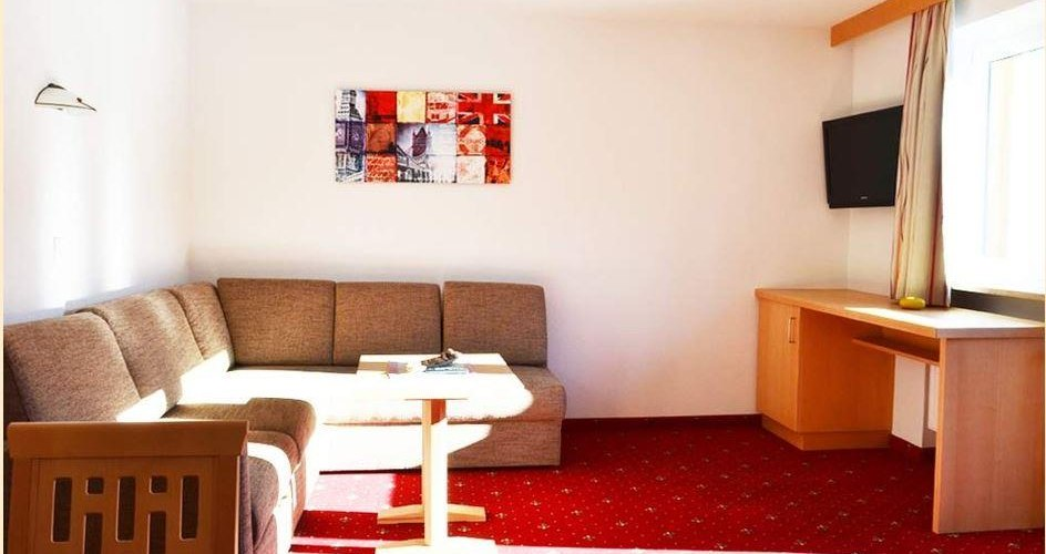 Grossraeumiges_Wohnzimmer_Appartement2, © Baumgartner A.